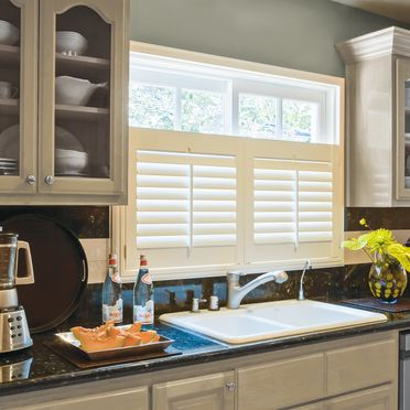 Kitchen_cafe_style_shutters