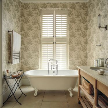 Bathroom_tier_on_tier_shutters